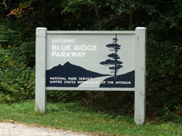 1280px-Blue_Ridge_Parkway-27527-2